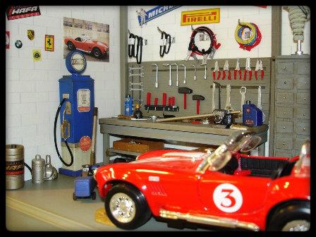 Vitrine miniature garage voiture 1 24 for Cote reprise voiture garage