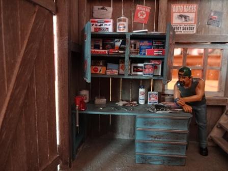 Diorama garage dans une grange au 1 24 - Comment faire un etabli de garage ...